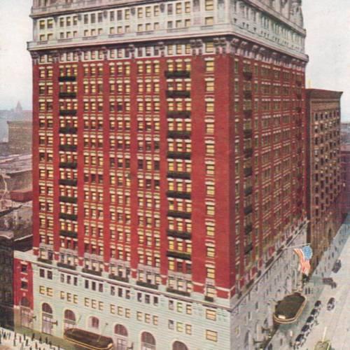 chuckmanchicagonostalgia.files.wordpress.com:2012:08:postcard-chicago-lasalle-hotel-aerial-corner-view-traffic-and-pedestrians-1910.jpg